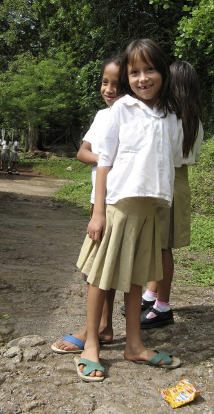 Photo by Mary Klein (2006). Salvadorean schoolgirls.